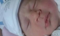 Yeni Doğmuş Bebeğin Başı