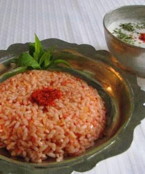 Domatesli Pirinç Pilavı Tarifi Yapılışı