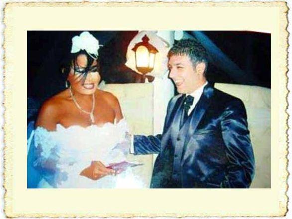 Bülent Ersoy ile Armağan Uzun'un evlilik resmi