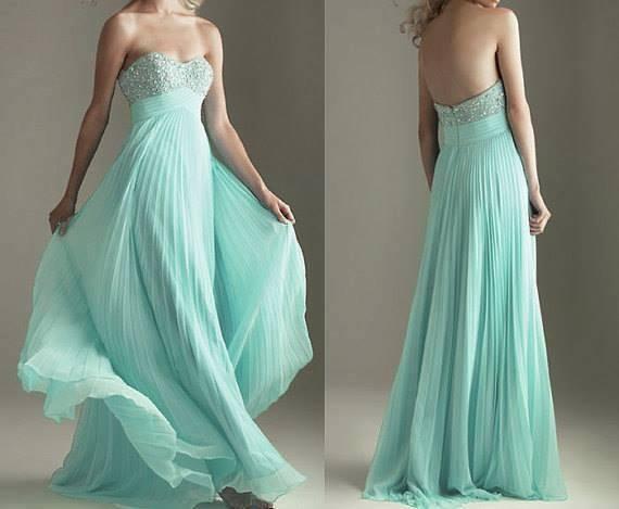 açık mavi derin dekolteli straplez elbise