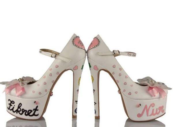 isim yazılı platformlu bağcıklı gelin ayakkabısı