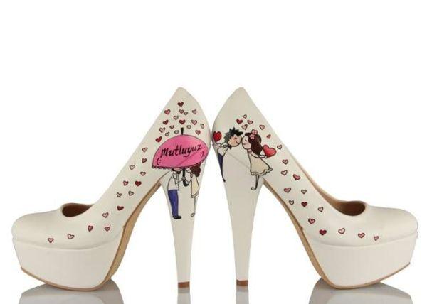 mutluyuz yazılı gelin ayakkabısı