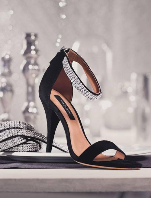 siyah süet bilekten bağlamalı taşlı açık abiye ayakkabı