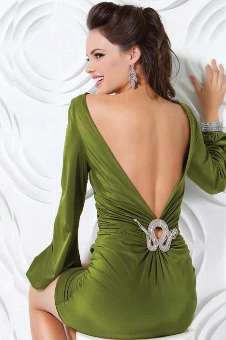 yeşil sırt dekolteli şık abiye elbise