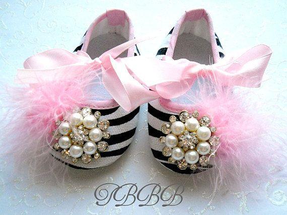 çizgili bebek ayakkabı modeli