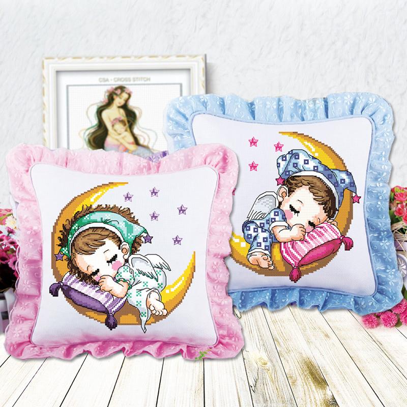 ay ve bebek figürlü yastık modelleri