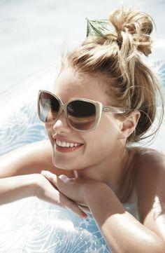 bej camlı güneş gözlüğü