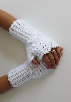 beyaz tığ işi eldiven modeli