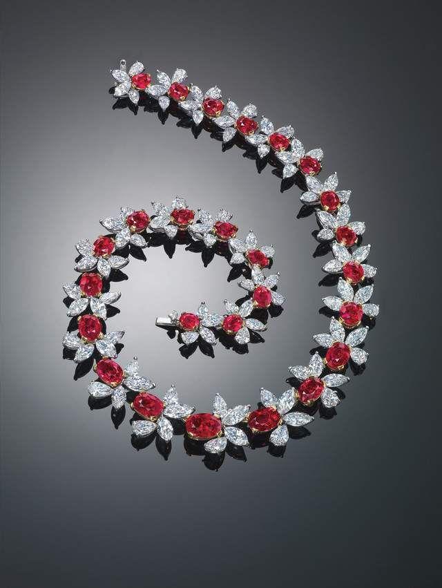 elmas detaylı pırlanta bileklik modeli