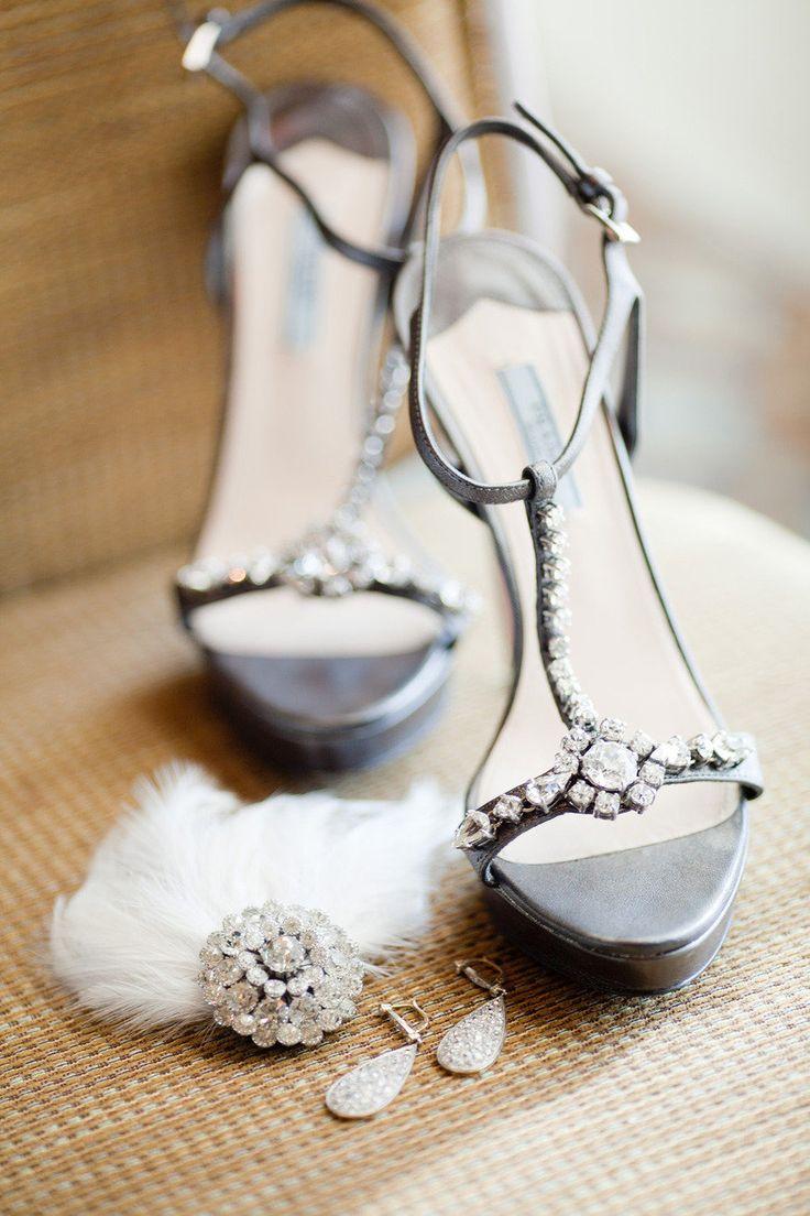 gümüş rengi taşlı ayakkabı modeli