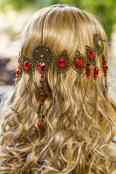 kırmızı taşlı eskitme saç aksesuar modeli