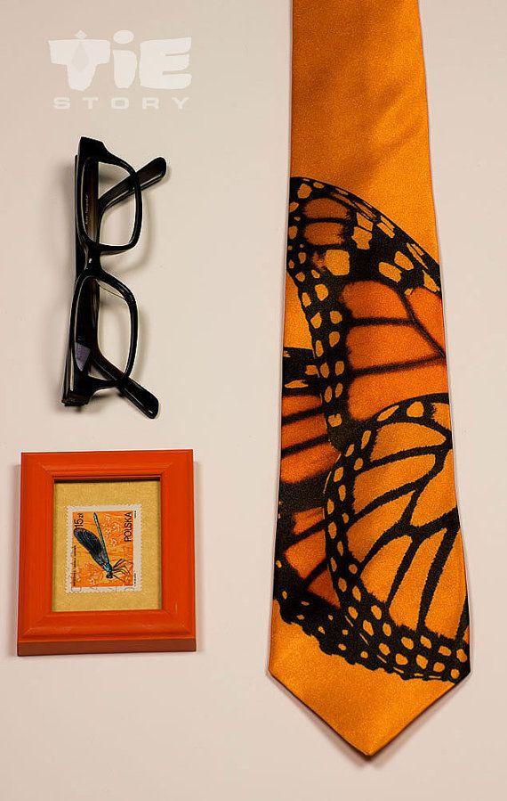 kelebek figürlü kravat modeli