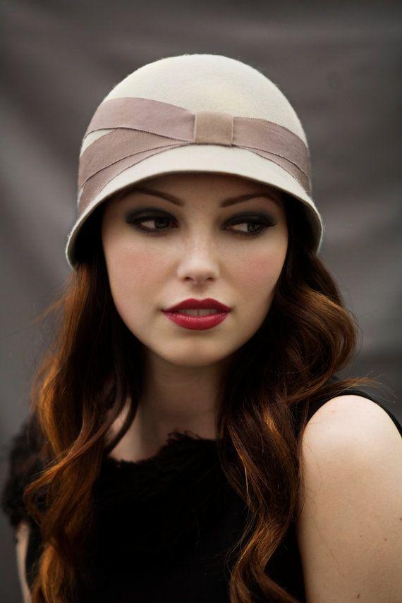 krem bantlı şapka modeli