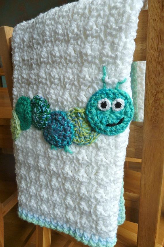 tırtıl figürlü bebek battaniye modeli