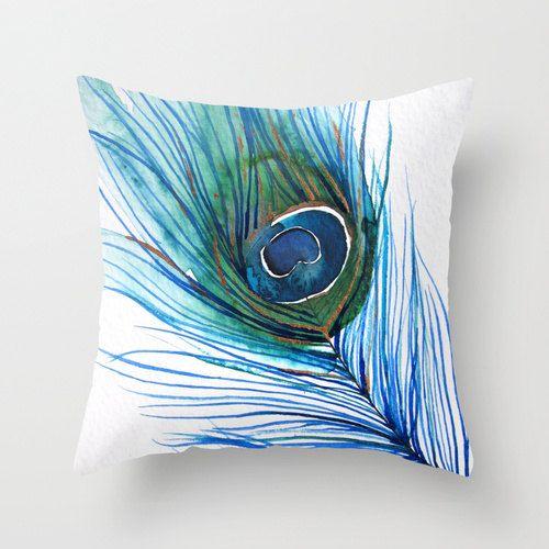tavuskuşu tüy detaylı yastık modeli