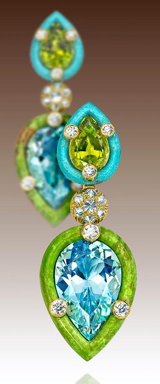 yeşil mavi taşlı pırlanta küpe modeli