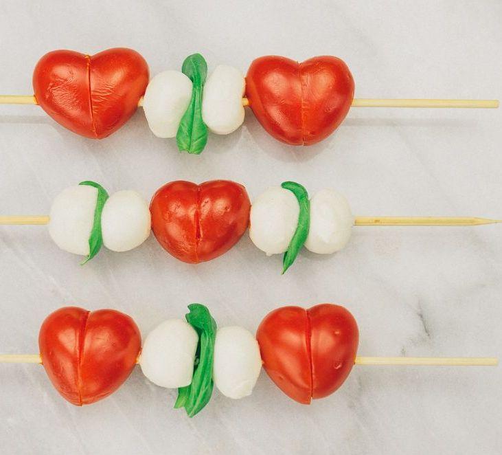 peynirli kalp şeklinde dometesler