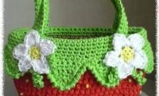 Yeşil Kırmızı Çiçek Motifli Örgü Çanta Yapılışı