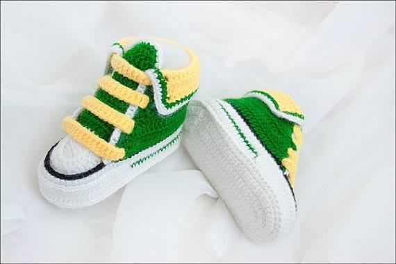 yeşil beyaz bebek konvers