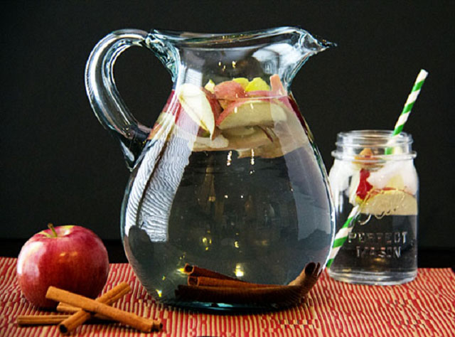 Tarçın ve elma detoksu
