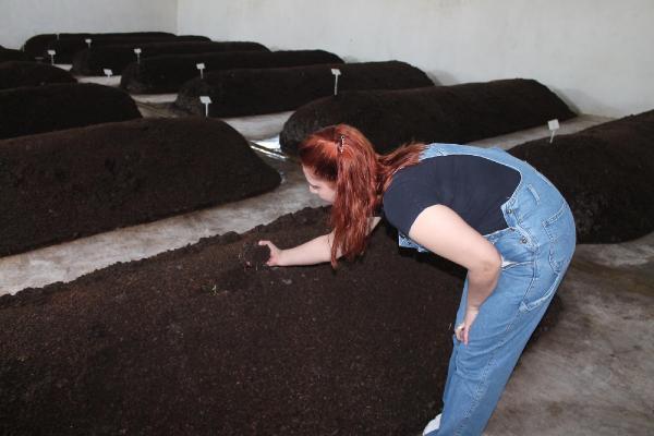 İlknur Pazarcık organik Gübre üretim işini anlatıyor