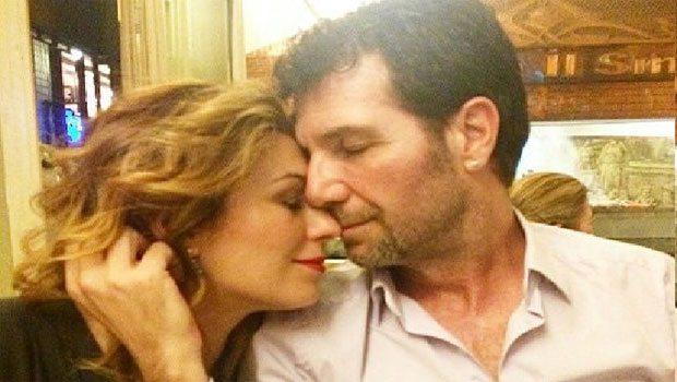 Aşk Doktoru Boşandığını Açıkladı
