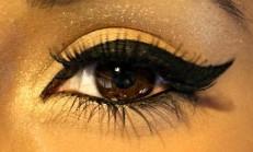 Kanatlı Eyeliner Bakın Nasıl Çekiliyor