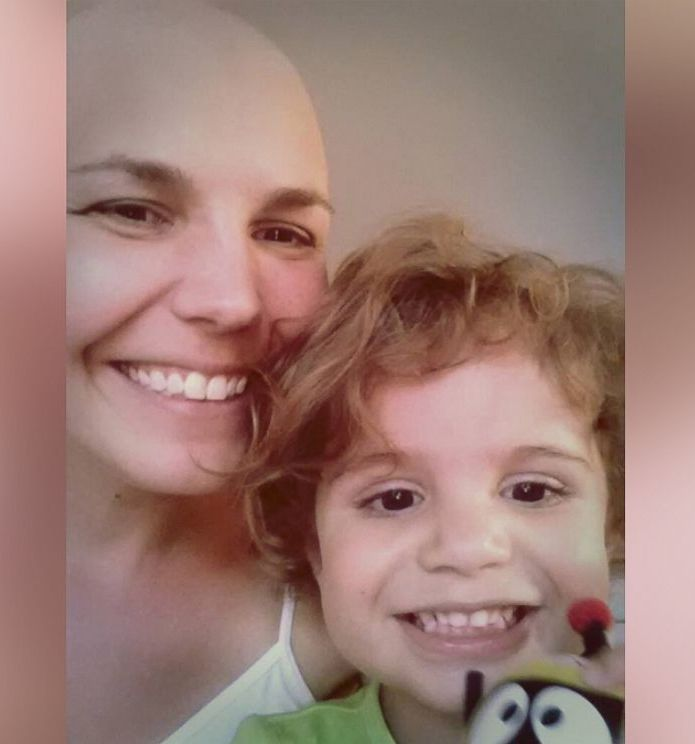 Kanser Hastası Genç Anne 4 Yaşındaki Kızı