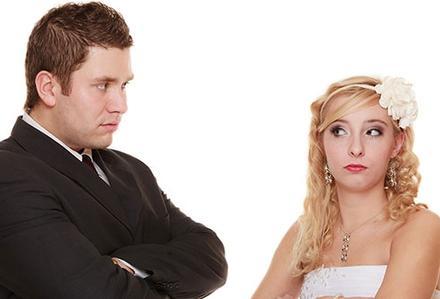Eşini ilk kez makyajsız görünce dava açtı