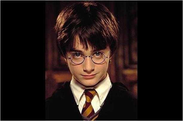 4 Ünlü oyuncu Daniel Radcliffe