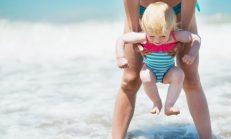 Bebeğiniz İlk Kez Havuza Girecekse Bunlara Dikkat